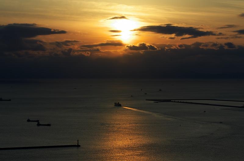 大阪府咲洲庁舎展望台 夕景 夕陽 夕焼け 大阪湾