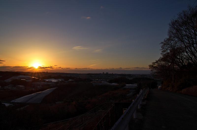 駒ヶ谷のぶどう畑で夕焼け観賞