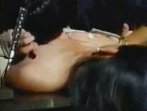 【渡辺典子】乳を揉まれる濡れ場