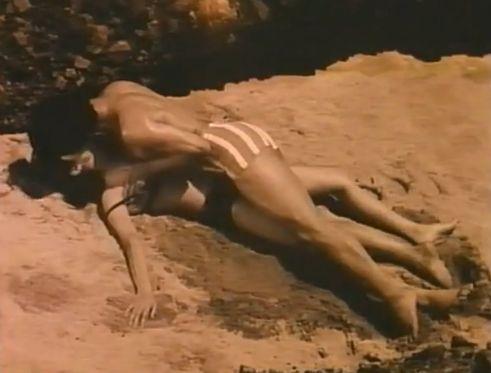 【木内みどり】海辺でハメられる野外濡れ場映像