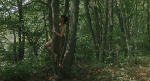 【黒沢あすか】ヘアヌード披露する野外濡れ場シーン