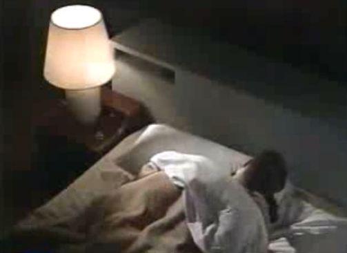 【池上季実子】ベッドで激しく絡み合うラブシーン