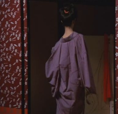 【夏木マリ】妖艶な魅力で男を誘うセミヌードシーン