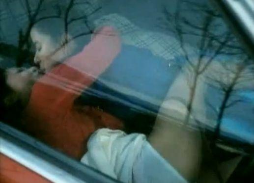 【八神康子】ディープキスしながらカラダを密着させ悶えるカーセックスシーン