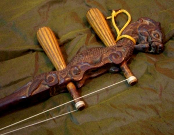 龍頭古楽器1