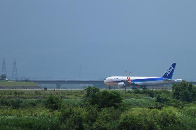 re120709富山空港_2