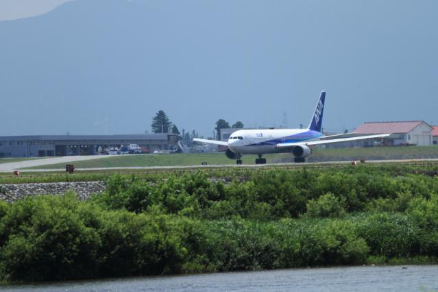 re120709富山空港_5