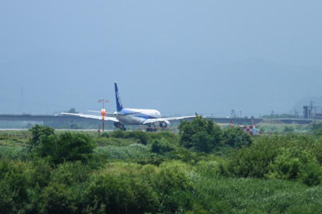 re120709富山空港_1