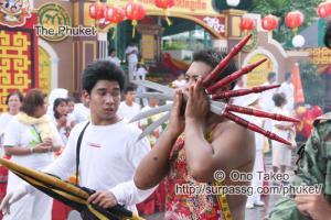 この記事「プーケットのギンジェー祭り・前編」の写真 (122-305)