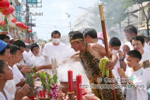 この記事「プーケットのギンジェー祭り・前編」の写真 (122-351)