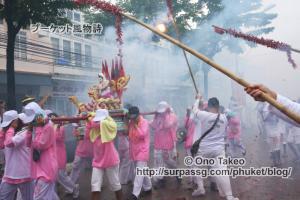 この記事「プーケットのギンジェー祭り・後編」の写真 (123-414)