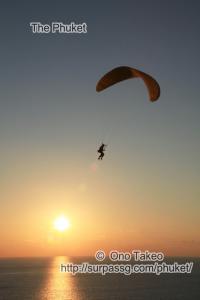 この記事「プーケット パラグライダー2」の写真 (351-388)
