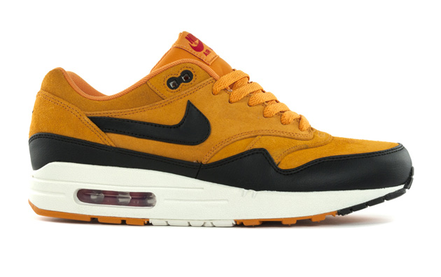 nike-air-max-1-black-gold-1.jpg