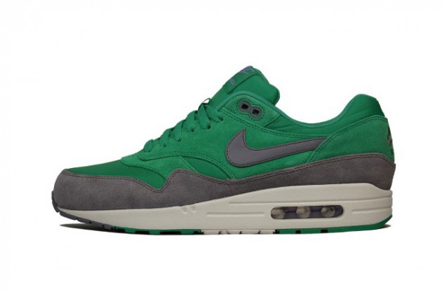 nike-air-max-1-premium-holiday-2012-2-630x417.jpg