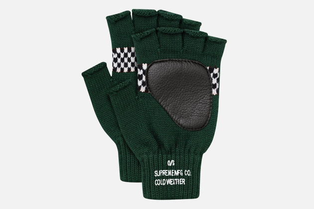 supreme-checkered-fingerless-gloves-2.jpg