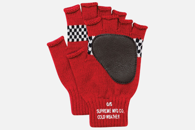 supreme-checkered-fingerless-gloves-3.jpg