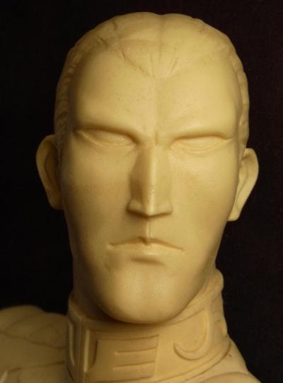 ギレン胸像・頭部
