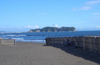 湘南サイクリングロードからの江の島