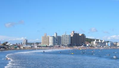 江の島からのビーチ