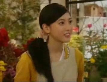 木曜ドラマ『結婚しない』三吉彩花ちゃんが着ていたカーデはMARQUISE DE BLANC