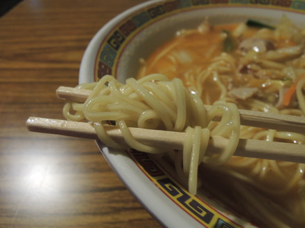 スタミナラーメン小の麺