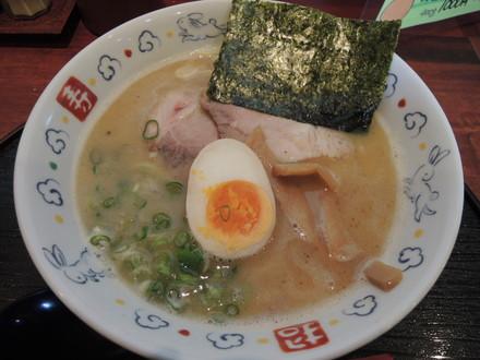 鶏白湯(700円)