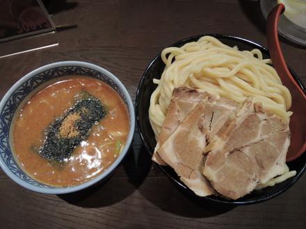 つけ麺大+チャーシュー3枚(麺類半額で630円)