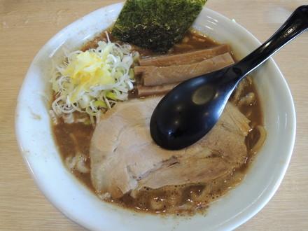 ラーメン並(750円)