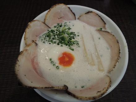 豚CHIKIしおチャーシューメン(900円)