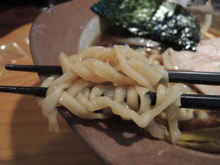 醤油系ラーメンの麺