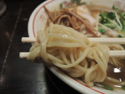 貝汁柚香らーめん肉ソバ(細麺)の麺