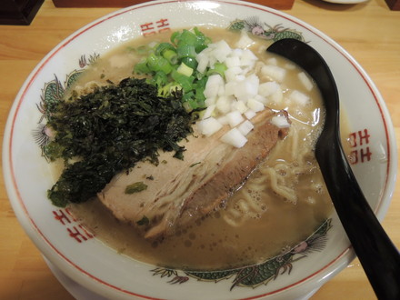 鶏とんこつラーメン(800円)