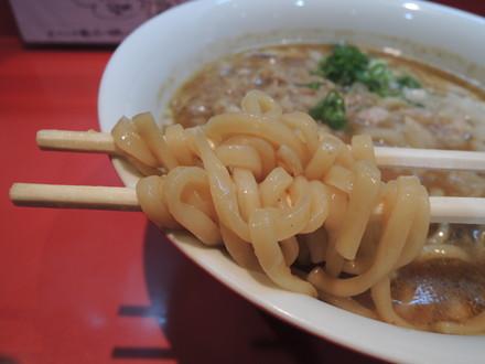 ミーツ限定 味噌ラーメンの麺