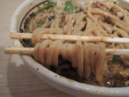 カレー台湾まぜそばの麺