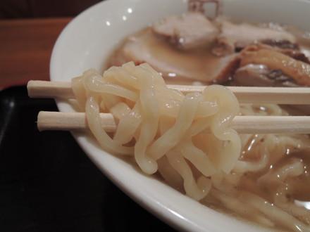 焼豚ラーメンの麺