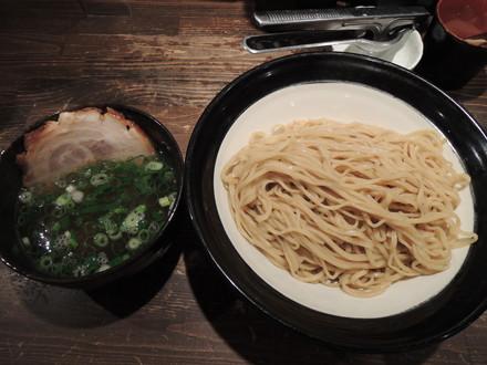 つけ麺エバーゴールド大盛り(900円)