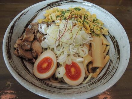 油そば(ケロッグ入り)(900円)