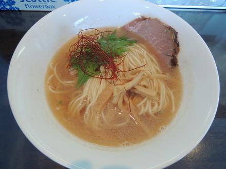 海老潮らぁ麺(680円)