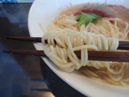 海老潮らぁ麺の麺