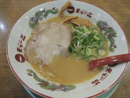 ラーメン(並)こってり(680円)