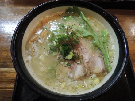 濃厚塩ラーメン(750円)