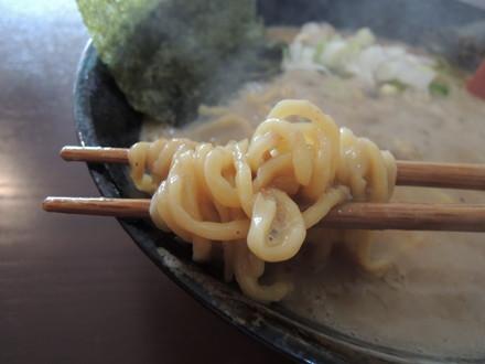大岩ラーメン特豚の麺