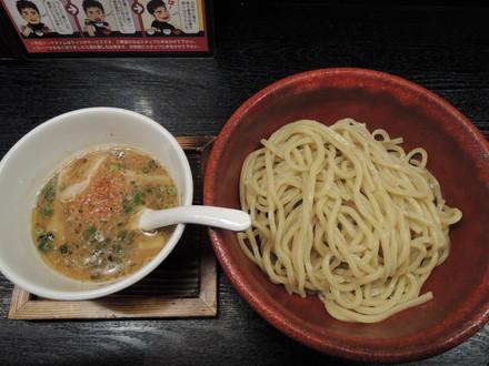 つけ麺汐彩味(800円)+大盛(100円)
