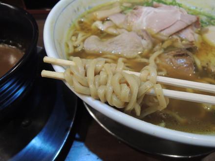 次世代のカレーつけ麺の麺