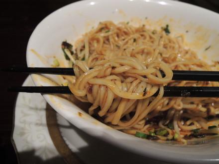汁なし坦々麺の麺