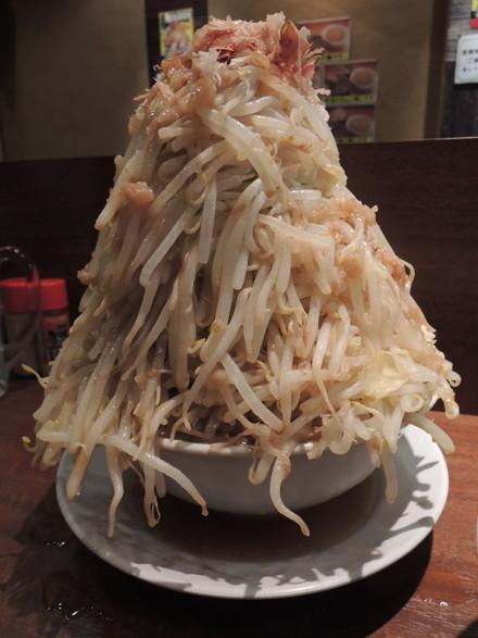 ラーメン+野菜バカ増し(650円)