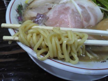 豚骨味噌ラーメンの麺