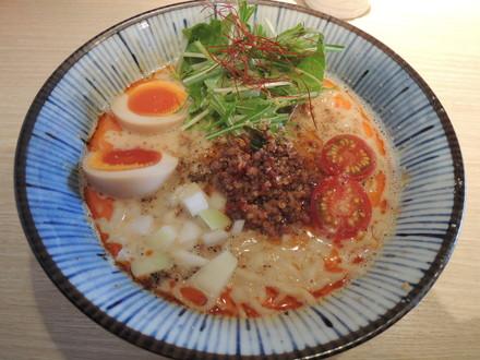 塩坦々麺(800円)