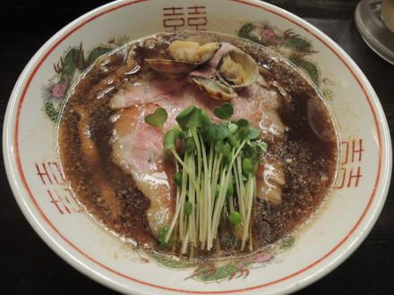 旨味正油らーめん其の弐肉ソバ(中太麺)(680円)