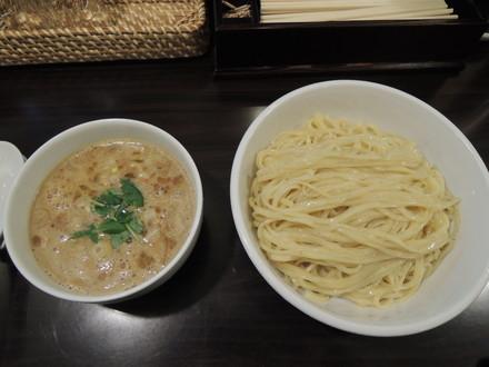 比内地鶏白湯つけ麺大盛(980円)